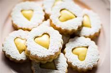 lucake crema pasticcera biscotti occhi di bue alla crema pasticcera lucake in 2020 food desserts biscotti