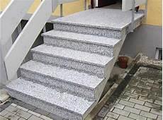 geflieste treppen treppenstufen in feinsteinzeug