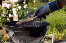 Grillrost Reinigen Hausmittel Und Tipps Um Den Grill Zu