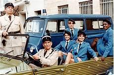 le gendarme et les gendarmettes regarder le gendarme et les gendarmettes en direct play tv