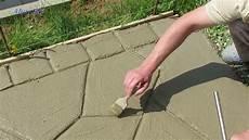 beton gießform bauen beton zu naturstein optik selber machen gartenweg