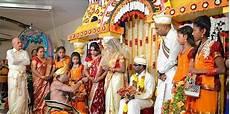 sari kaufen deutschland zeremonie festsaal verwandelt sich in bl 252 tenmeer