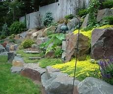 amenagement de jardin avec des pierres am 233 nager jardin en pente conseils pratiques et