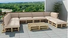 sofa aus paletten ein praktisches m 246 bel f 252 r drinnen und