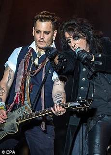 Johnny Depp S Band The Vires Faces Boycott
