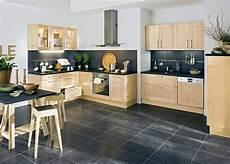 couleur de meuble en bois cuisine sol gris meubles clair cuisine bois cuisine
