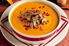 zuppa di zucca ricetta crema di zucca con ricotta e funghi la cucina