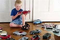 was sollte im auto haben autos die bewegen autobild de