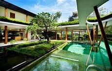 Modern House With Beautiful Garden Views Water