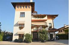 esterni picture of small hotel royal padua tripadvisor