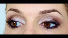 se maquiller les yeux maquillage d 233 butant
