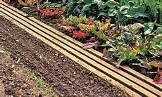 Gartenweg Aus Holz - gartenweg selber bauen selbst de