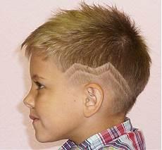 Kinder Jungen Haarschnitt - coole frisuren f 252 r kleine jungs profile left