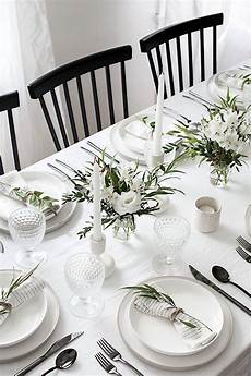 5 tips to a simple and modern tablescape breakfast table setting wedding table settings