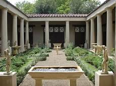 casa di cagna di file ricostruzione giardino della casa dei vetii di