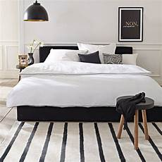 Schlafzimmer Schwarzes Bett - schwarzes bett black bed impressionen schlafzimmer