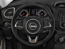 Image 2017 Jeep Renegade Latitude FWD Steering Wheel