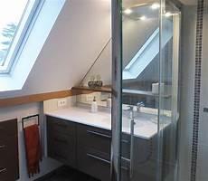 velux salle de bain rendre une salle de bain sous rant fonctionnel et