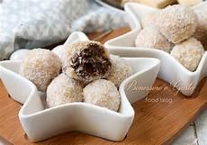 dolcetti con wafer sbriciolati tartufini cocco e nutella ricetta senza cottura con wafer