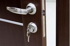 come cambiare serratura porta cambiare serratura porta blindata consigli porte
