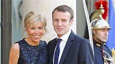 Emmanuel Und Brigitte Macron Ein Ungew 246 Hnliches Paar