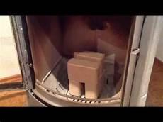 tipp holzbriketts im kamin ofen anfeuern anz 252 nden ohne