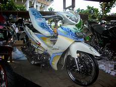 Modifikasi Warna Jupiter Mx by Jupiter Mx Modifikasi Warna Biru Putih Thecitycyclist