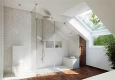 bad gestalten dachschräge modern bad dachschr 228 ge modern zeitgen 246 ssisch in mit
