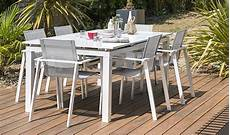 table jardin extensible alu table de jardin extensible blanche en aluminium 180 240cm mykonos