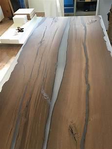 Holzrisse Füllen Harz - tischplatten mooreiche holzplatten