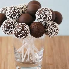 cake pop rezept cake pops aus dem cake pop maker rezept cake pops
