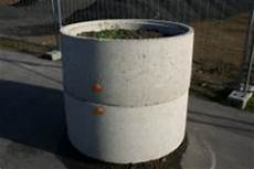 schöne pflanzen für den garten betonringe als blumentopf bauunternehmen