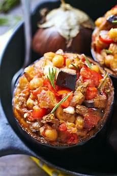 Gesund Kochen Rezepte - baked chickpea tomato eggplant cups eatwell101