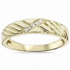 mens diamond wedding ring yellow gold
