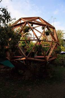 Kuppel Haus Bauen - geoeast gartenlaube kugel form holz struktur new space