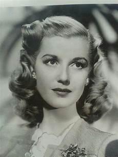vintage 1940 hair and makeup vintage hairstyles tutorial