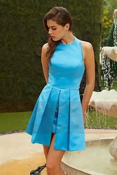robe cocktail bleu ciel bretelle joliment croise au dos