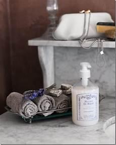 cosa prendere per andare in bagno bagno shabby chic e romantico e interni