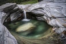 Wasser Und Steine - wasser und steine im verzascatal foto bild wasser