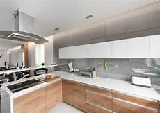 arbeitsplatte holz grau wei 223 e arbeitsplatten grifflose eichenholzfronten und glas