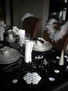 Deco Table Nouvel An Or Et Noir Unixpaint