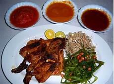 Gambar Dan Nama 10 Makanan Khas Indonesia Atonaru