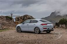 order the new hyundai i30 fastback from 163 20 305 in uk