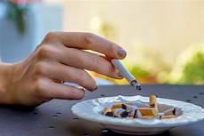 Rauchgeruch In Der Wohnung Entfernen Putzen De