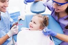 assistente poltrona dentista corso di assistente alla poltrona di studio odontoiatrico