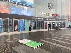 place d italie 2 le centre commercial italie ii pris pour cible 224