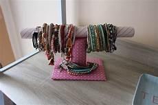 Diy Comment Fabriquer Un Porte Bracelet Les Plaisirs D