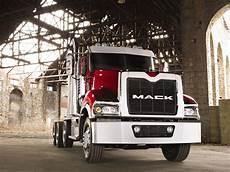 Wallpaper Mack Truck Logo