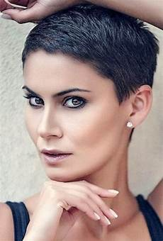 902 best short and sassy haircuts images on pinterest pixie cuts pixie haircuts and short cuts