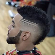 coiffure afro homme trait
